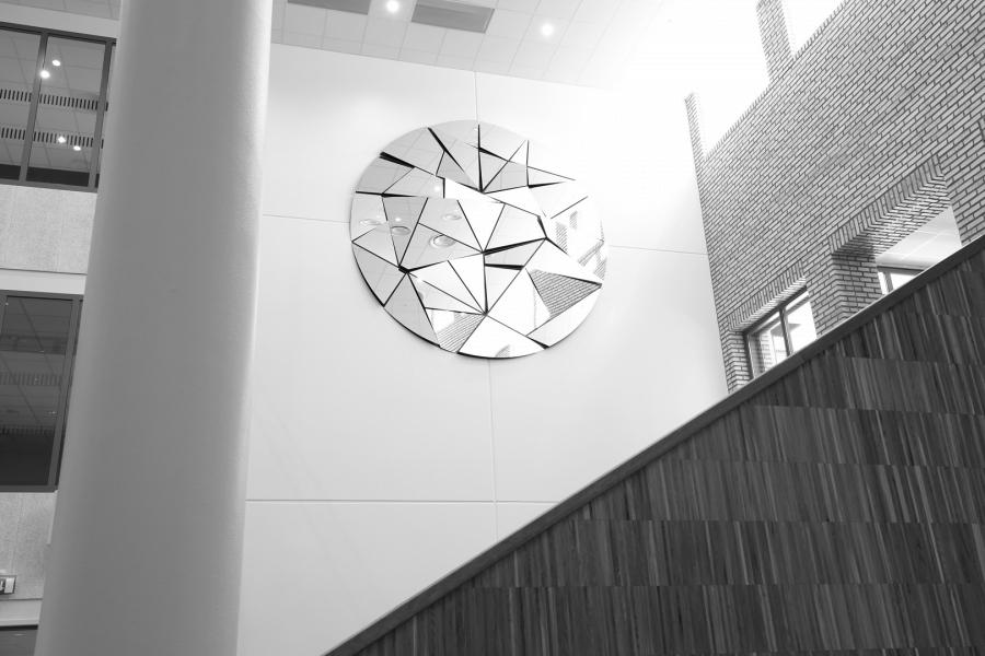 LELLO//ARNELL: Illuminated | Ø400cm | Powder-coated steel, mirrors | Public commission, Oslo